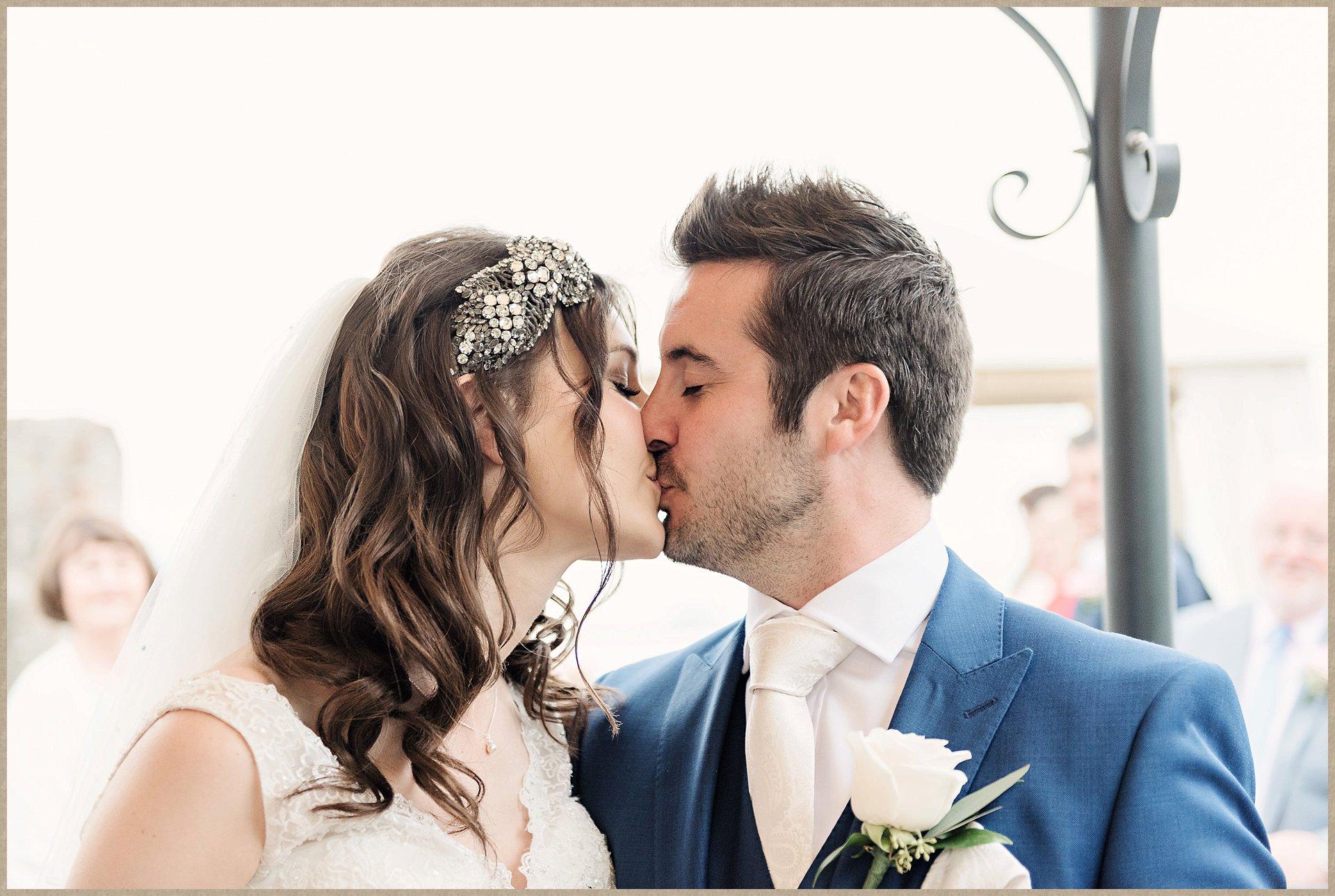 Kiss - Malcesine Castle Wedding